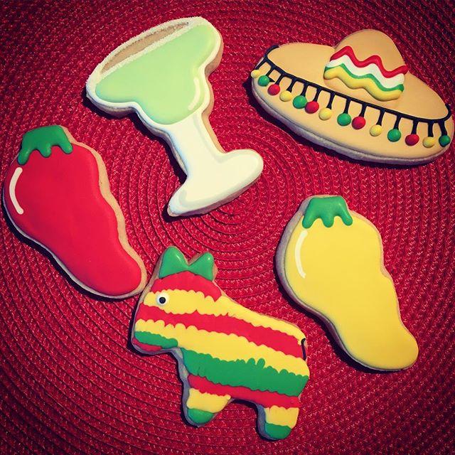 I hope margaritas are part of everyone's agenda today! Happy Cinco de Mayo! 🇲🇽🌶🌮
