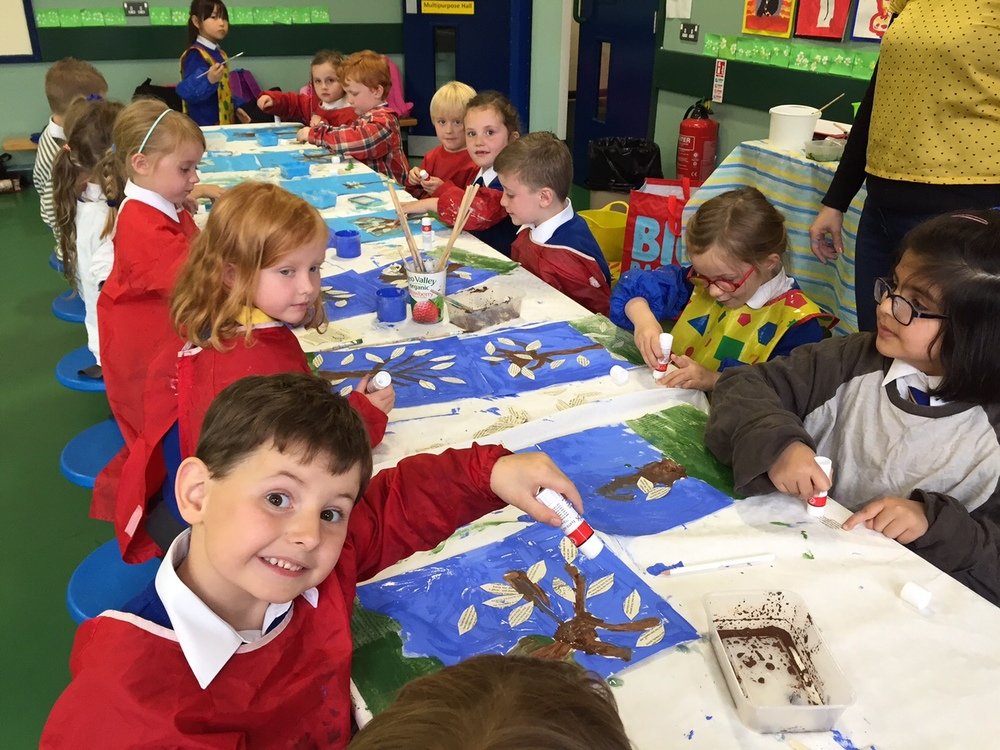 Monday - Busy Bees Art Club