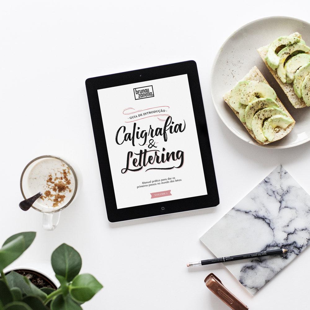 Quer aprender caligrafia e lettering? - Baixe o Guia de Introdução completamente grátis! Agora poderá aprender a técnica em casa com esse manual desenvolvido especialmente para você.