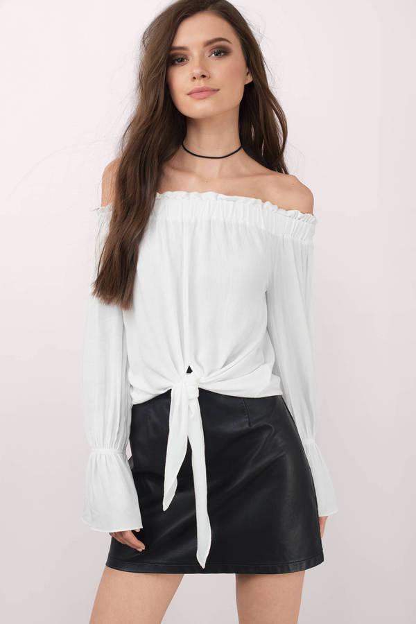 white-deserie-off-shoulder-blouse.jpg