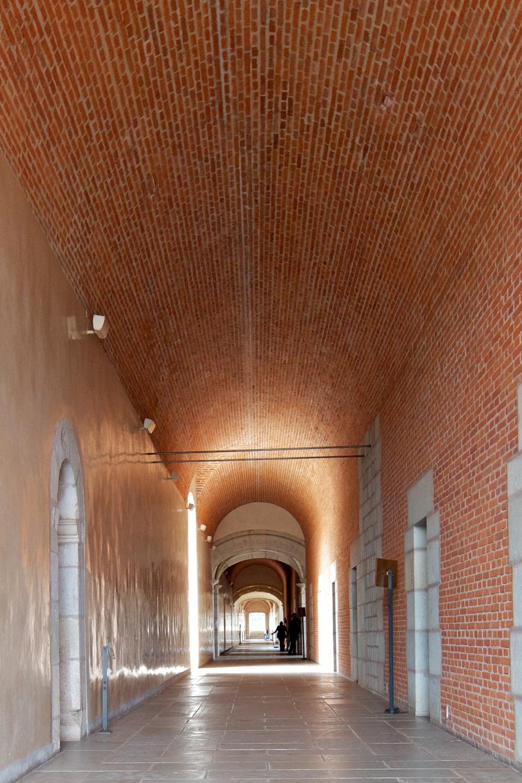 Exposed brickwork shows barrel vault construction techniques