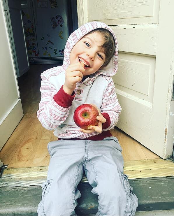z apple.jpg
