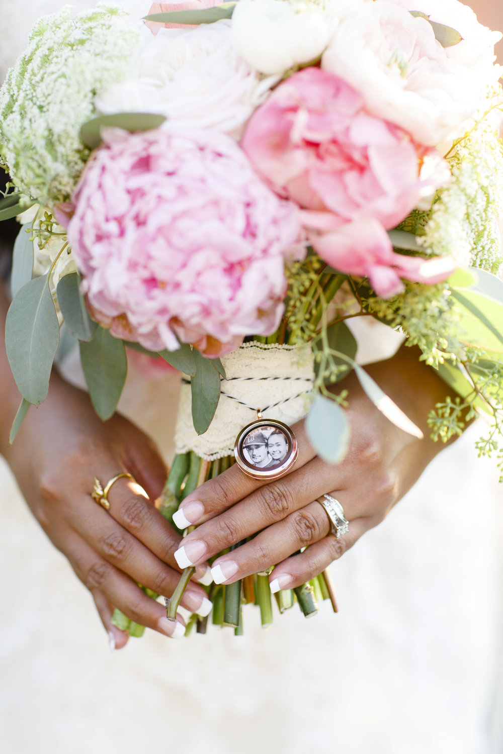8 Ideas for Enjoying Your Wedding Flowers for a Lifetime! — Courtney ...