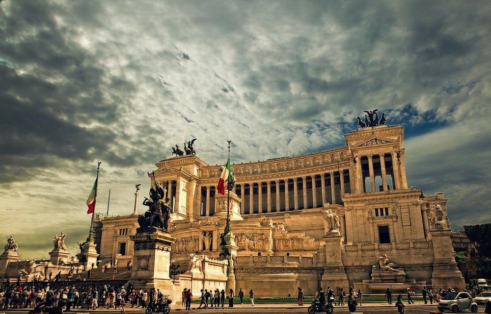 vittorio-emanuele-monument-298412_1280.jpg