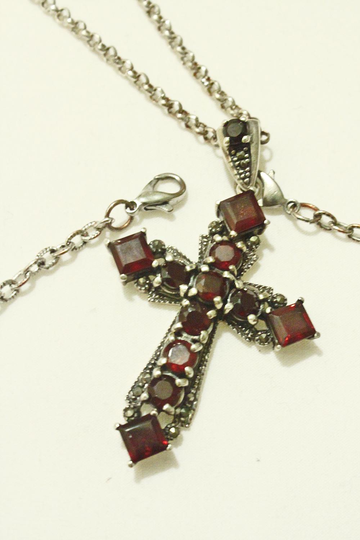 silver_cross_with_garnet_stones