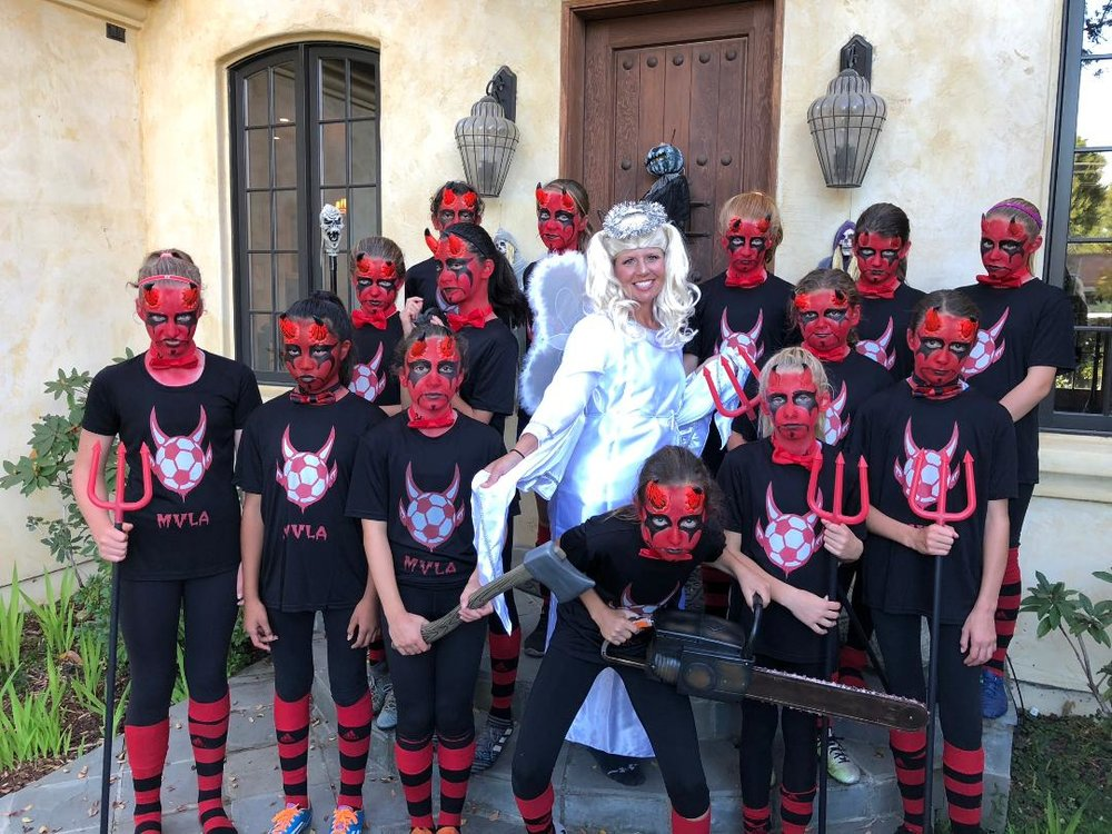 Winner Best Costume U13 & up: 06G Roma Black - What's a team of devils without their angel
