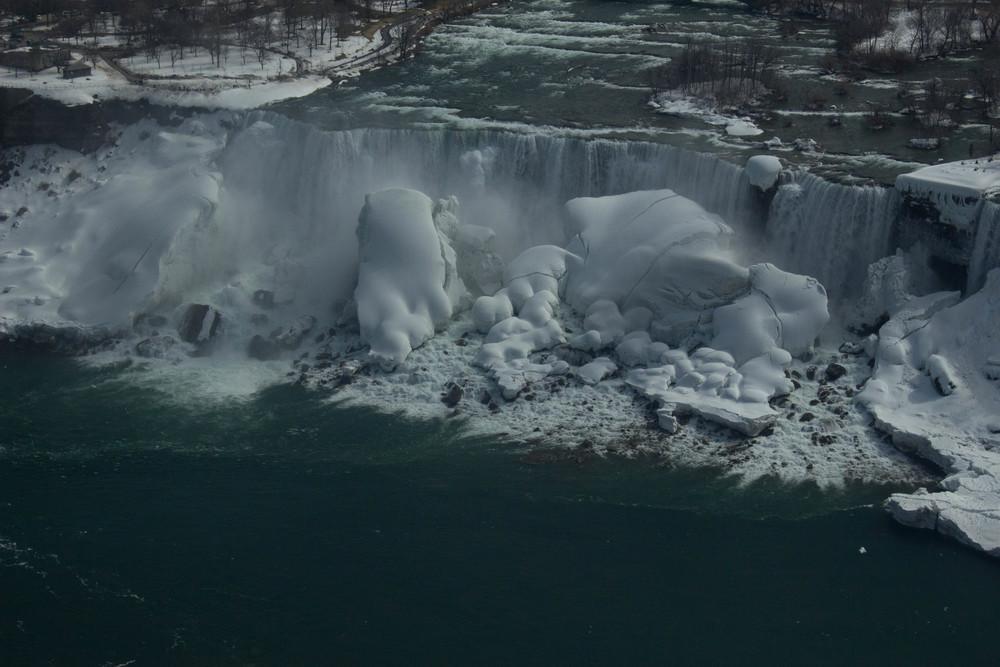 NiagaraFalls_2015_0320_0050.jpg