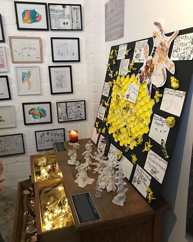 Opening night of the Bambini House exhibition at Frame 88, Willoughby, last Friday 12 Oct. The children's works are on display for a short time only. A wonderful showcase of what preschool children (2-5 years old) are capable of. @bambinihouse #earlychildhoodeducation #childrensart #childrensdrawings #childrenssculpture #childrenscreativity #preschool #mumlife #parenting