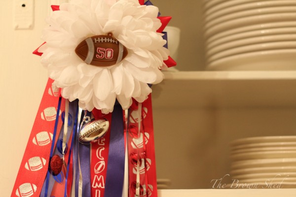 homemade football mums | thebrownshed.com