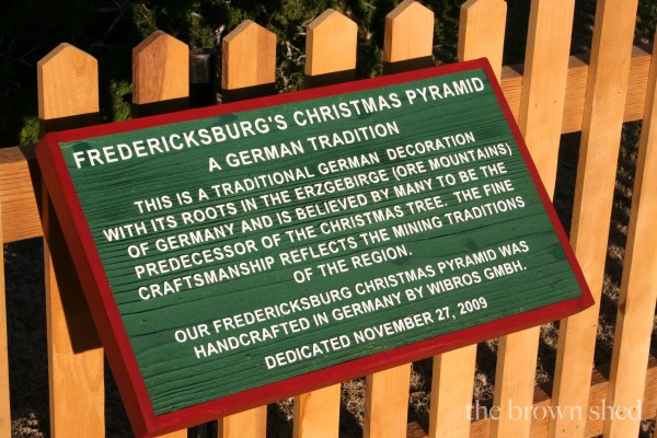 Christmas in Fredericksburg | thebrownshed.com