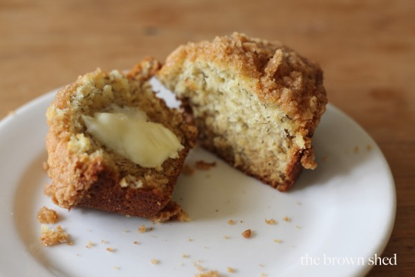 banana crumb muffins | thebrownshed.com