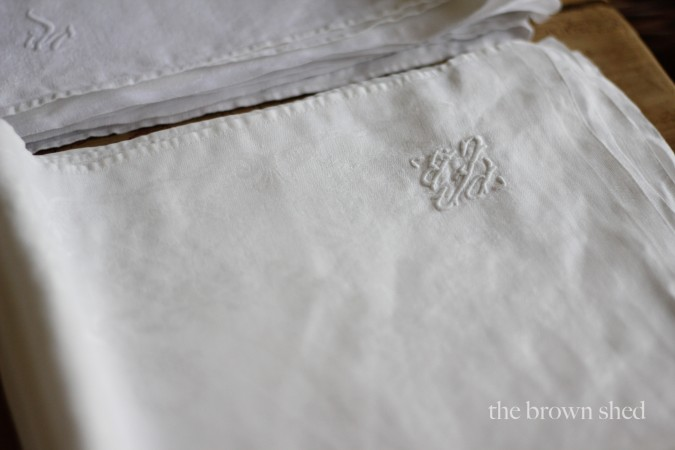 antique monogram linens | thebrownshed.com