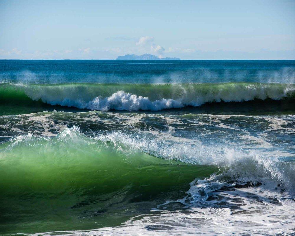 Waves-at-Pikowai---0759---Small.jpg