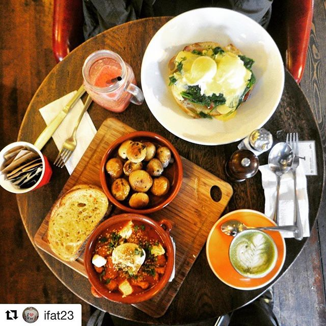 #Repost @ifat23 ・・・ You should buy me a get well(co) card cause I'm so sick with it #iFat #wellplayed #moroccanhotpot #eggsbennedict #sydneycafe #brunchinsydney#breakfastinsydney #sydneyeats #glebe#wellcocafe #sydneyfoodie #sydneylocal