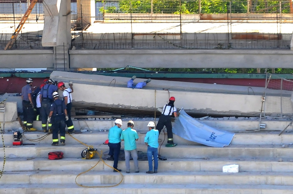 Man died after structure felt down during a refurbishment at Palmeiras Stadium; Brazil. ©Erica Dezonne / All rights reserved
