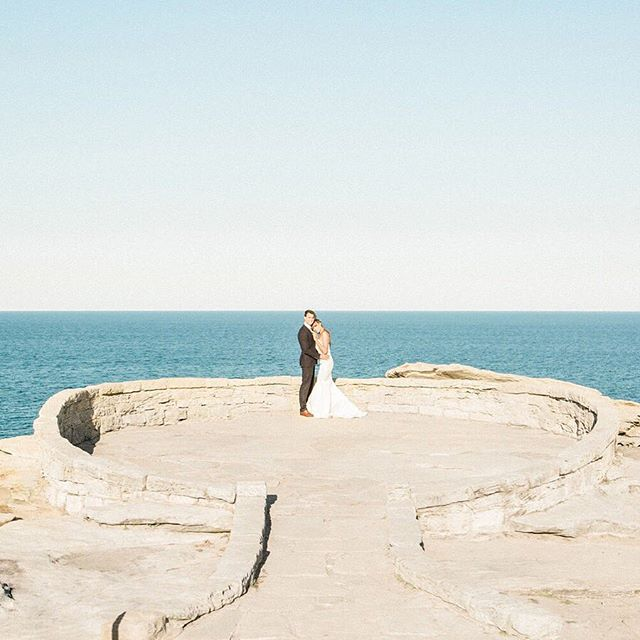 When you get a backdrop like this and see a pod of whales swim by 👌🏽 • • • #weddingphotography #engaged #elopement #destinationwedding #fairytale #wedding #fineartweddings #weddinginspo #bridetobe #newlyweds #mrandmrs #loveauthentic #bridalbeauty #bridalstyle #photobugcommunity #elopementcollective #vscocam #risingtidesociety #heyheyhellomay #ftmedd #lookslikefilm #fearlessphotographer #radlovestories #utterlyengaged #belovedstories #buzzfeedweddings #kinfolk #rfwppi #natgeoinspires
