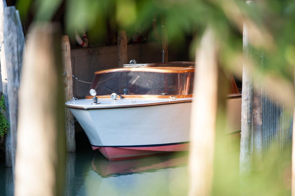Isola_Boat copy.jpg