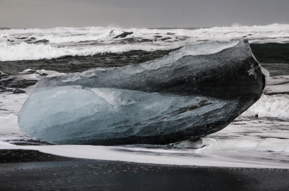Bicolored iceberg.Jökulsárlón Glacier Lagoon. Iceland, 2015.