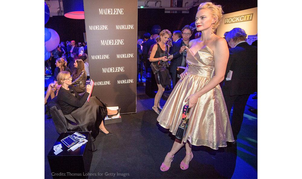 Live-Fashion-Sketches-Tribute-to-Bambi-Madeleine-Fashion-Virginia-Romo-23-Frankziska-Knuppe.jpg