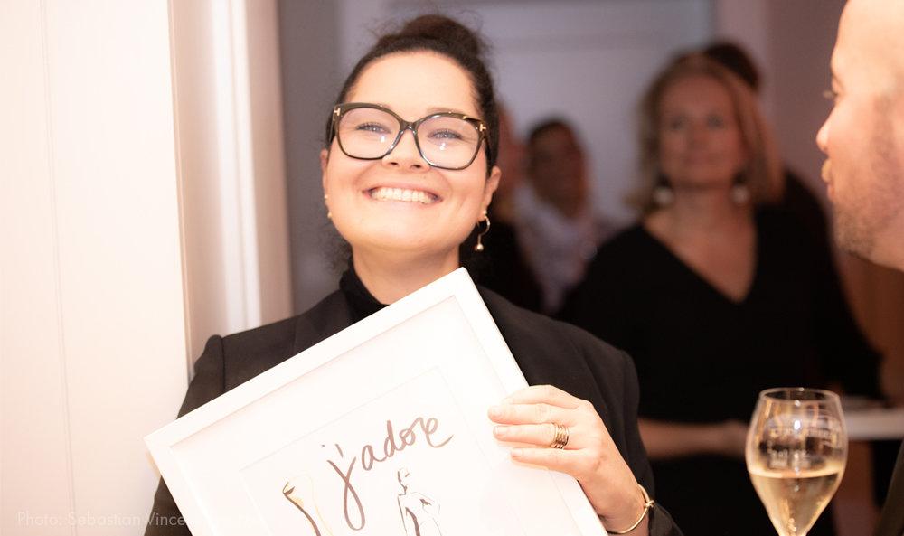 Virginia-Romo-Fashion-Illustration---Dior-VOGUE-Xmas-2018-live-sketching-event-happy-guest.jpg