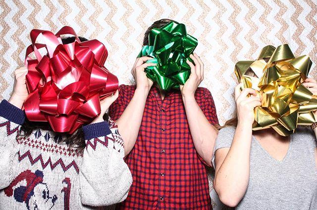 BOWemian WRAPsody 🎁 #corporate #holidayparty #photobooth #tomfooleryphotobooth