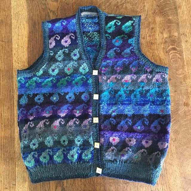 New paisley waistcoat with hand cut mother of pearl buttons #Woodwardanddavey #handknitted #paisley