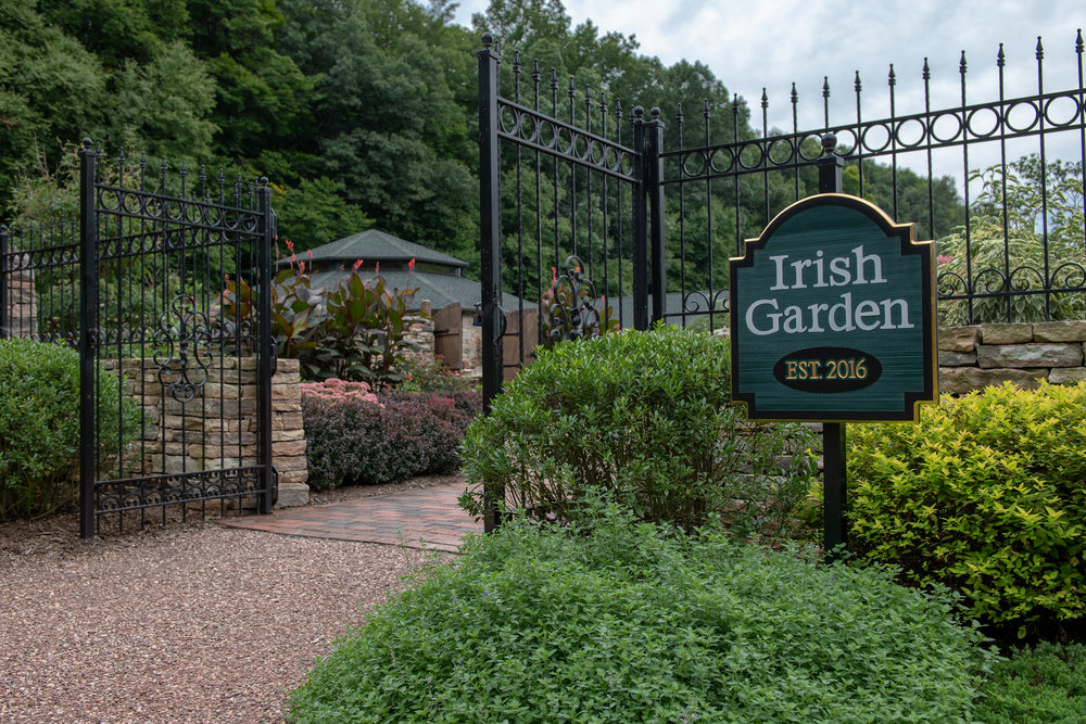 The Irish Garden Entryway - Every where you turn in Wickham Park is so pretty.