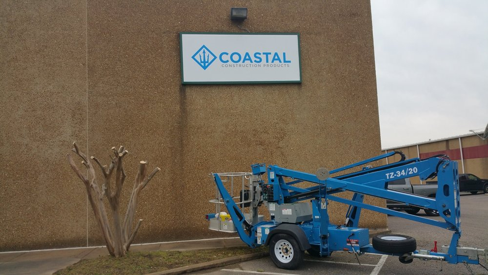 Retail signage, Coastal Construction; Memphis, TN | Image: DH