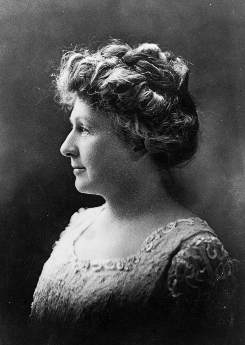 Annie_Jump_Cannon_1922_Portrait.jpg