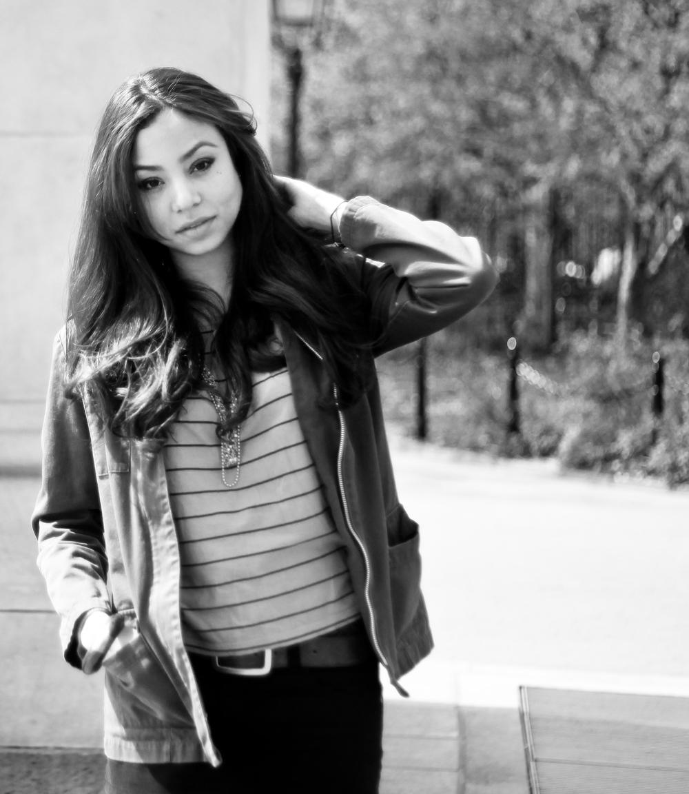 Karen Sevilla. En el Washington Square Park. Por Isabel Cadenas Cañón