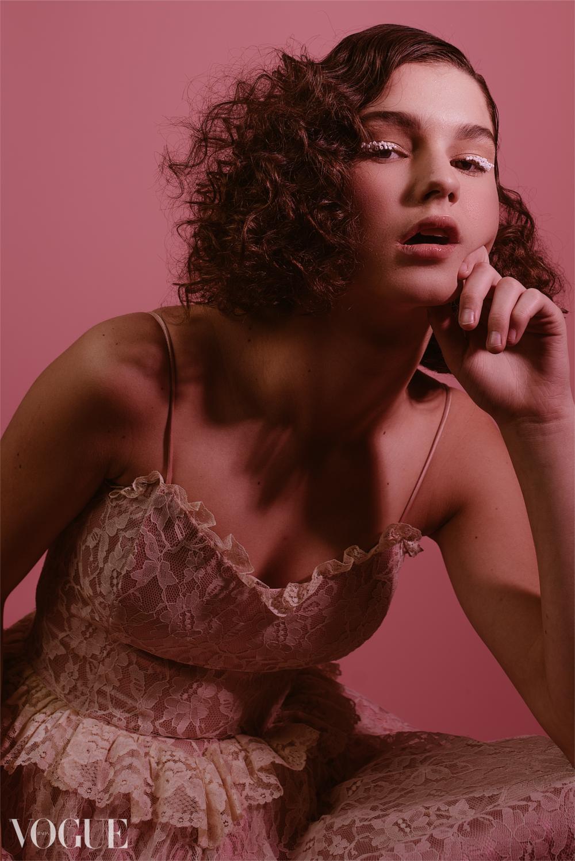 Model: Megan Campbell (AMAX) // HMUA: Isabella Rosalen
