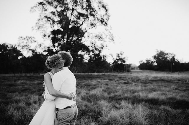 Loving embrace, captured by @aimeeclaireweddings