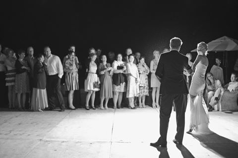 All eyes on the first dance of the newlyweds. 📷 by @sammblakeweddings