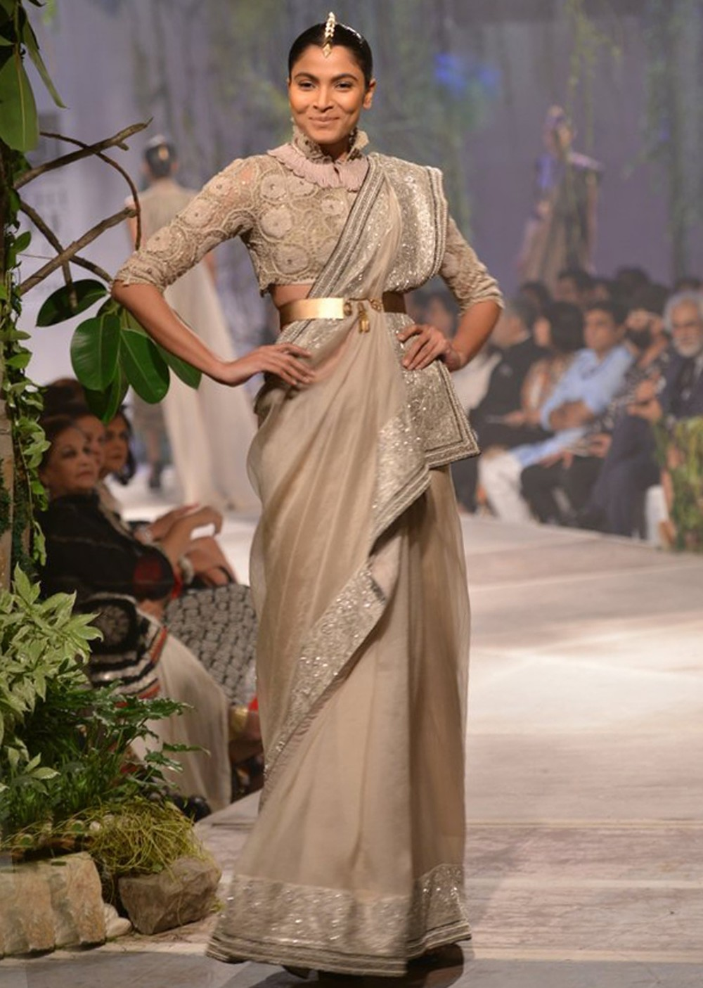 anamika-khanna-collection-at-pcj-delhi-couture-week-2013-ak03_1_.jpg