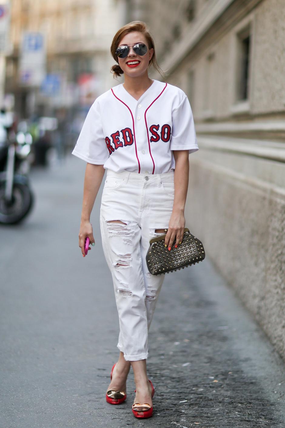 baseball_redsoxjersey_streetstyle.jpg