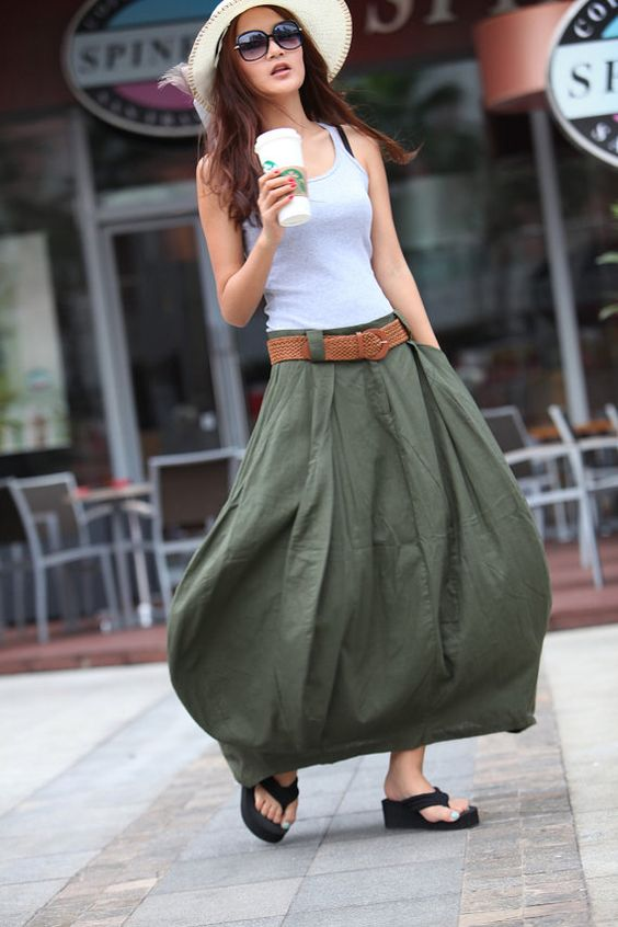 Pocket Solid skirt with a tank top
