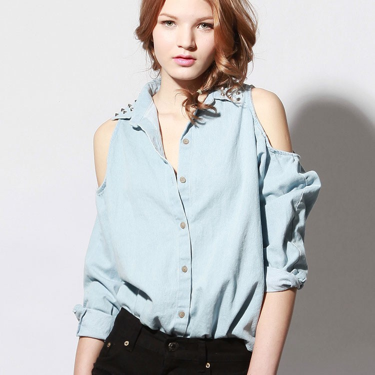 Don't we love lil' studs on our denim shirts!