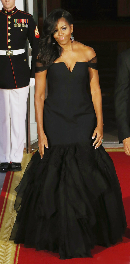 Nailing the China State Dinner at the White House in an off-the-shoulder Vera Wang gown with a V-notch neckline and a mermaid hem