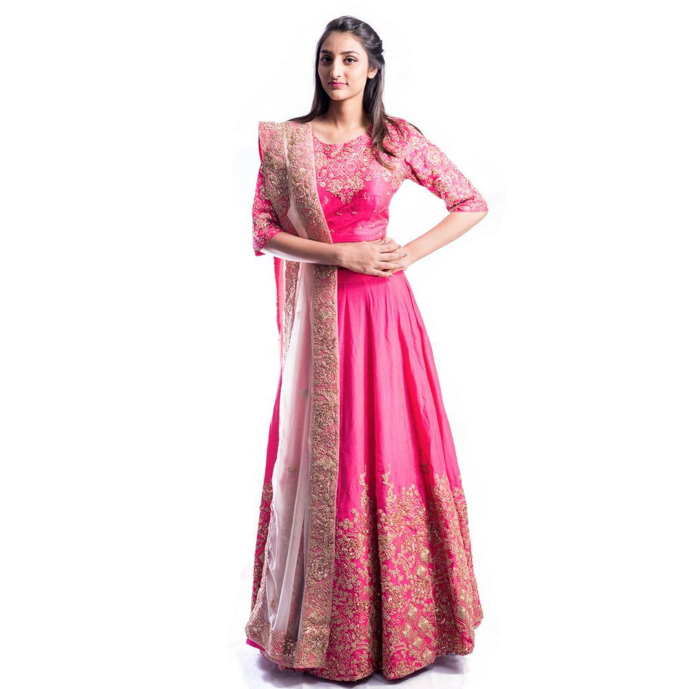 This is an exclusive piece from our closet! The intricate embroidery set carefully on the fabric has been designed by Aneesh Agarwal. The embroidery has been mixed with sequin work at the bottom of the skirt, front and back of the blouse and on the sides of the dupatta.This elegant piece is barely 3 months old and will be packed with utmost attention to keep every piece of work safe.Click on this image RIGHT NOW to see the embroidery work on the outfit.