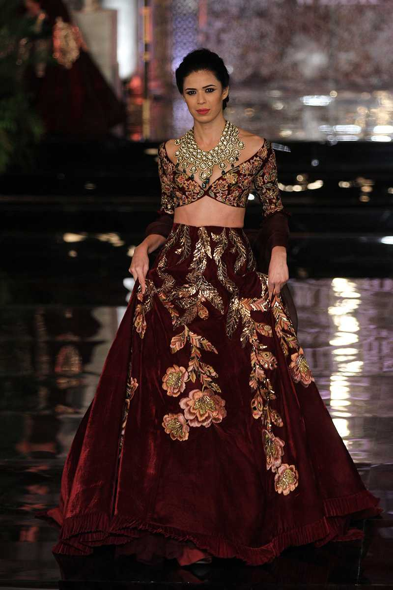 Manish-Malhotra-collection-india-couture-week-2016-27.jpg