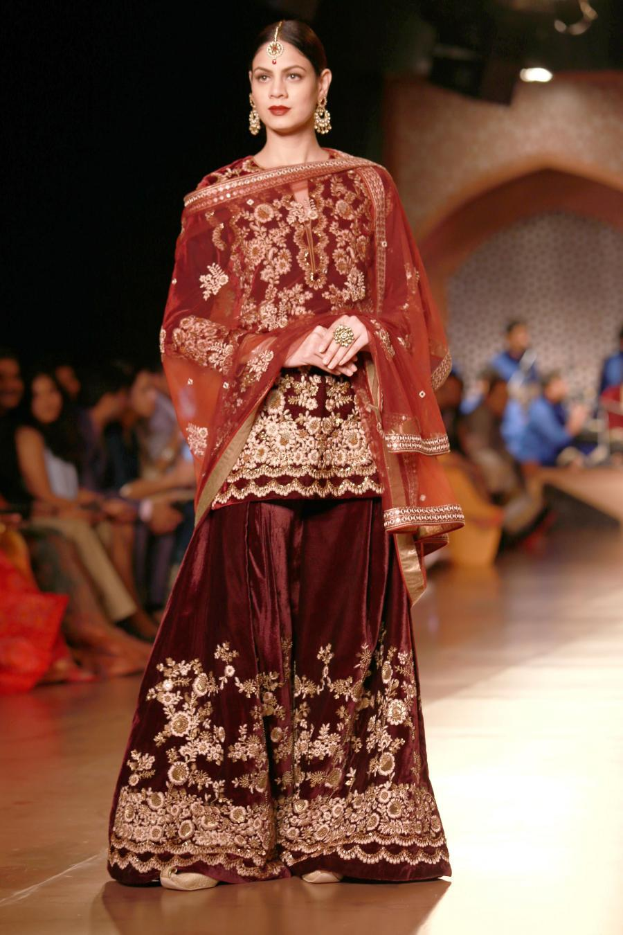 New Delhi Amazon India Couture Week 2015  Reynu Ta-412064.jpg