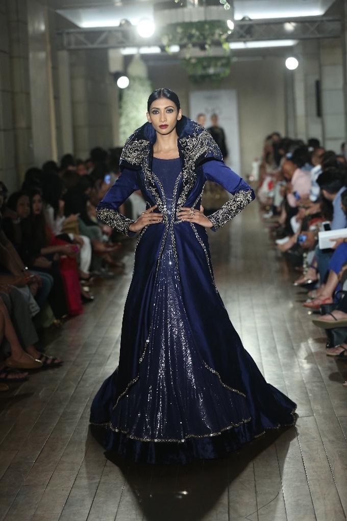 BEGUM-E-JANNAT-by-Couturier-Manav-Gangwani-@-FDCI-India-Couture-Week-2016-JPG-.JPG-3.jpg