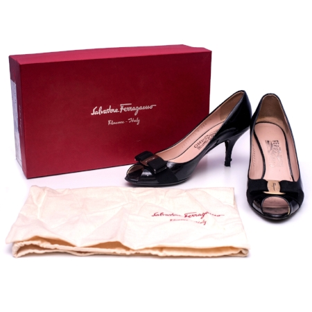 Click on the image to own these Ferragamo Peep toes