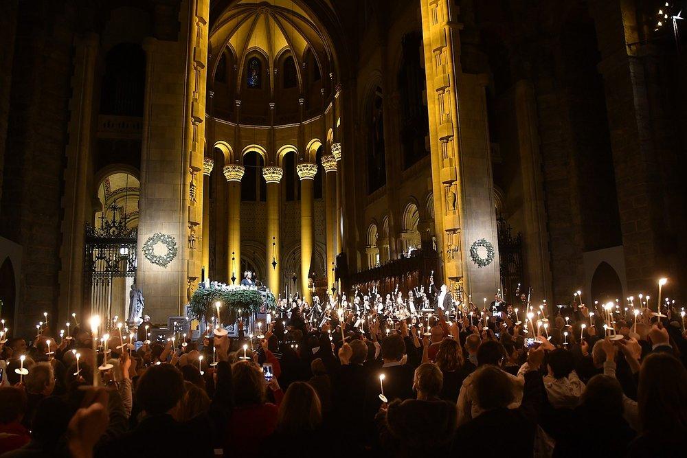NYE-StJohnDivine_123116_135e2-c-Karen-Rubin-candles.jpg