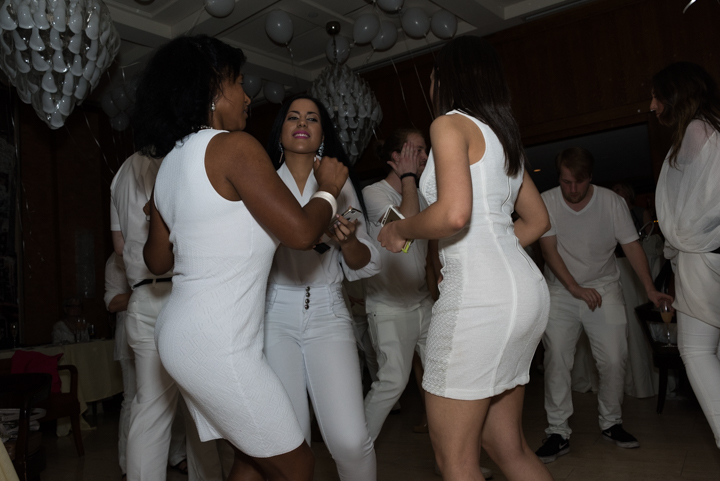 WhiteParty-11.jpg