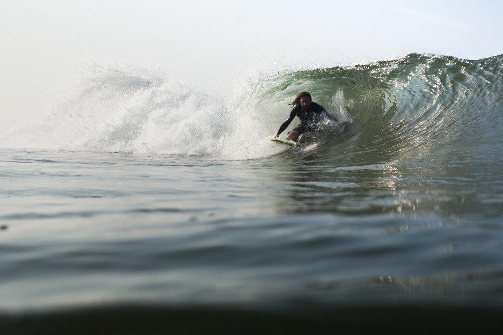 RW2 - Ozzie Hoppe - Surfing India - Moto Trip3.jpg