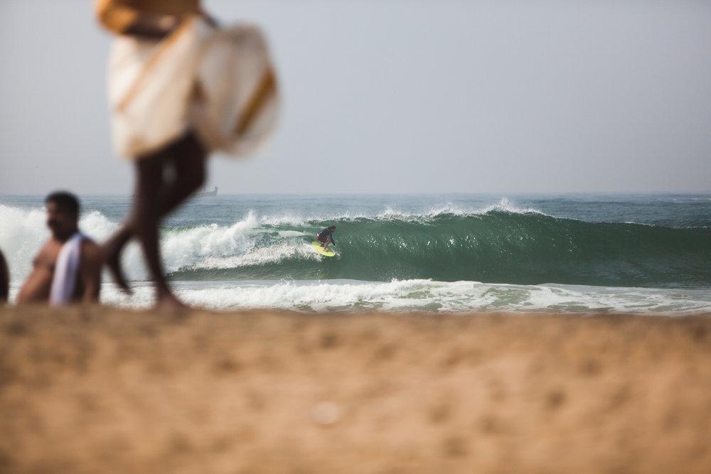 RW2 - Ozzie Hoppe - Surfing India - Moto Trip24.jpg