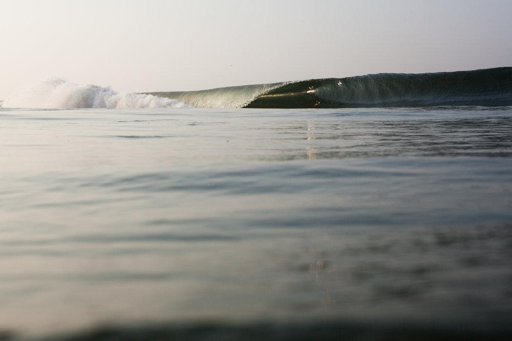 RW2 - Ozzie Hoppe - Surfing India - Moto Trip33.jpg