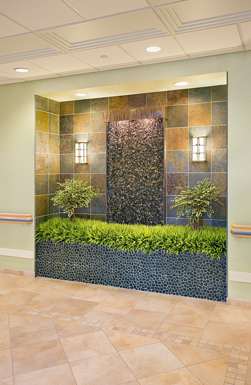 Parker Jewish Institute. Tobin Parnes Design. NY. Healthcare Design. Lobby. Niche Area.