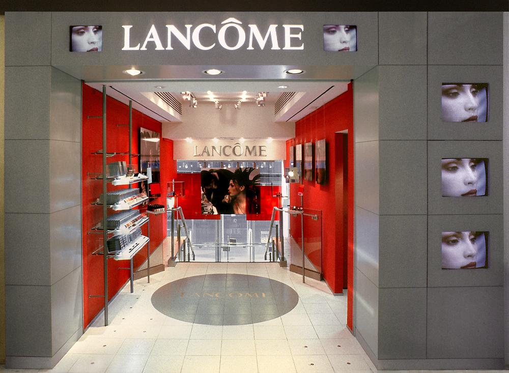 Lancome. Tobin Parnes Design. NY. Retail Design. Entry.